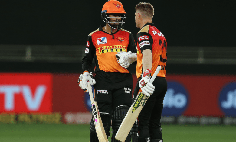 Photo of Sunrisers stay alive: Warner & Bros. give near-perfect performance to hand Delhi third consecutive defeat