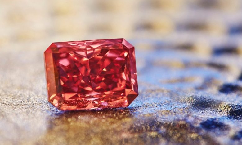 Photo of Rare purplish-red diamond sold for USD 2.77 million at auction in Geneva