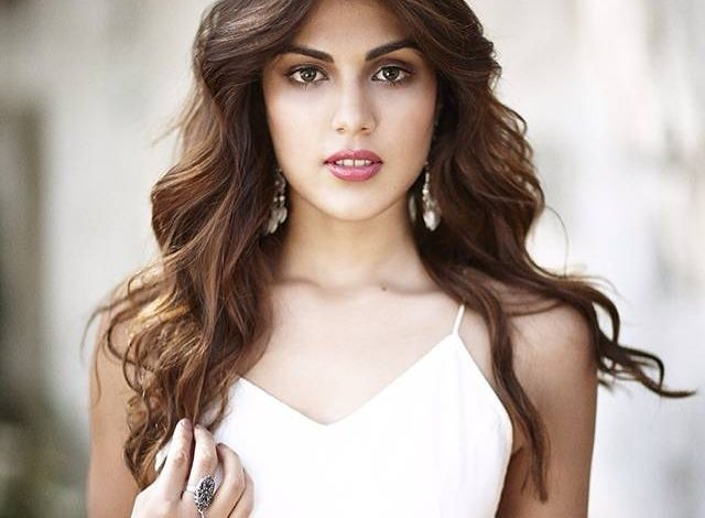 Rhea-Chakraborty Biography
