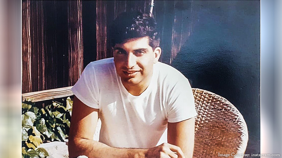 A rare photo of Ratan Tata when he traveled to America in his youth
