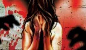Agra: Maiden woman stopped on the way, gang raped in front of husband