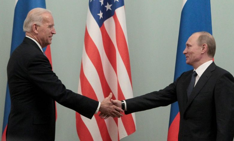 Biden tells Putin to ease tensions on Ukrainian border, proposes summit