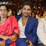Allu-Arjun-with-his-Father-and-Mother
