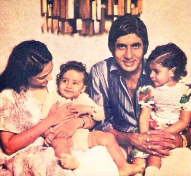 An Old Picture of Jaya And Her Family