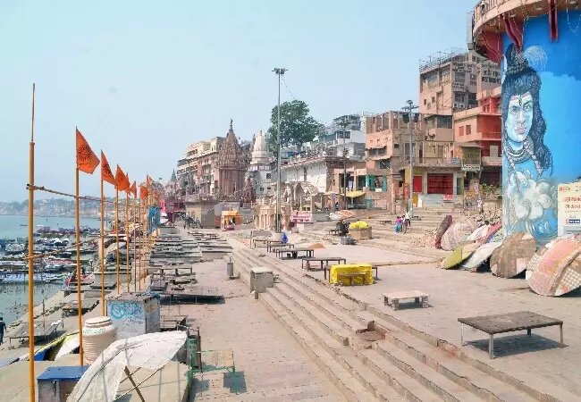 UP government extends partial Covid curfew till Monday morning
