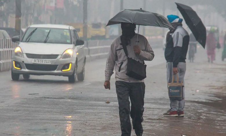 Monsoon likely to reach Delhi in next 48 hours, nearly two weeks ahead of schedule