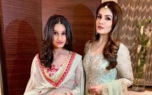 Raveena-Tandon-with-her-daughter
