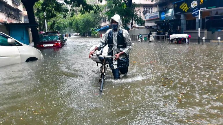 Monsoon arrives in Mumbai: How to deal with wet masks?