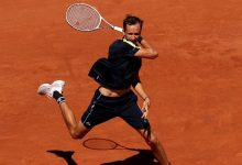 French Open 2021: Daniil Medvedev and Stefanos Tsitsipas set up quarter-final clash after 4th round wins