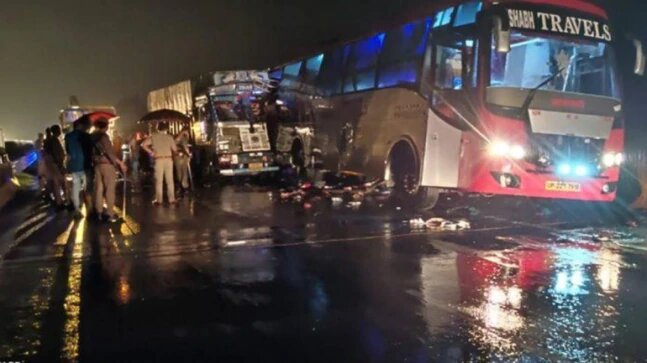 18 killed, several injured after speeding truck hits bus in UP's Barabanki