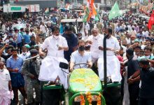 Brought kisaan's message: Rahul Gandhi drives tractor to Parliament, Congress workers detained
