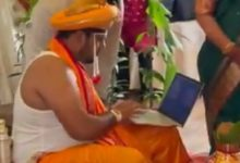 Desi groom works on his laptop on wedding day in viral video. Don't miss bride's reaction