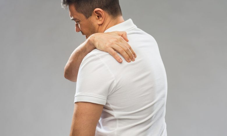 Three effective stretches to help you relieve upper back and neck pain