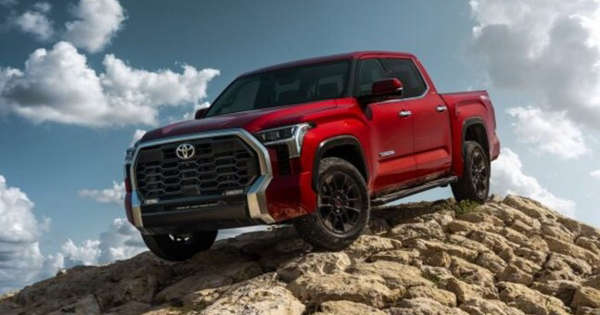2022 Toyota Tundra debuts with new styling, hybrid power, and modern features