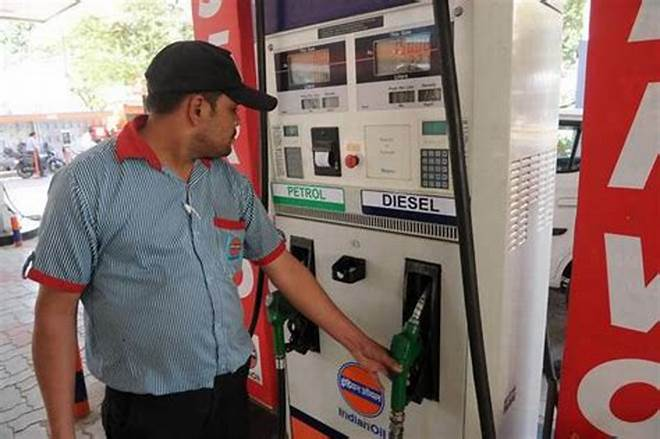 Fuel prices unchanged as global crude oil prices rise