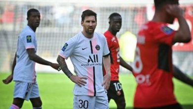 Lionel Messi blanks as Rennes beat PSG 2-0 to hand league leader its 1st defeat in Ligue 1